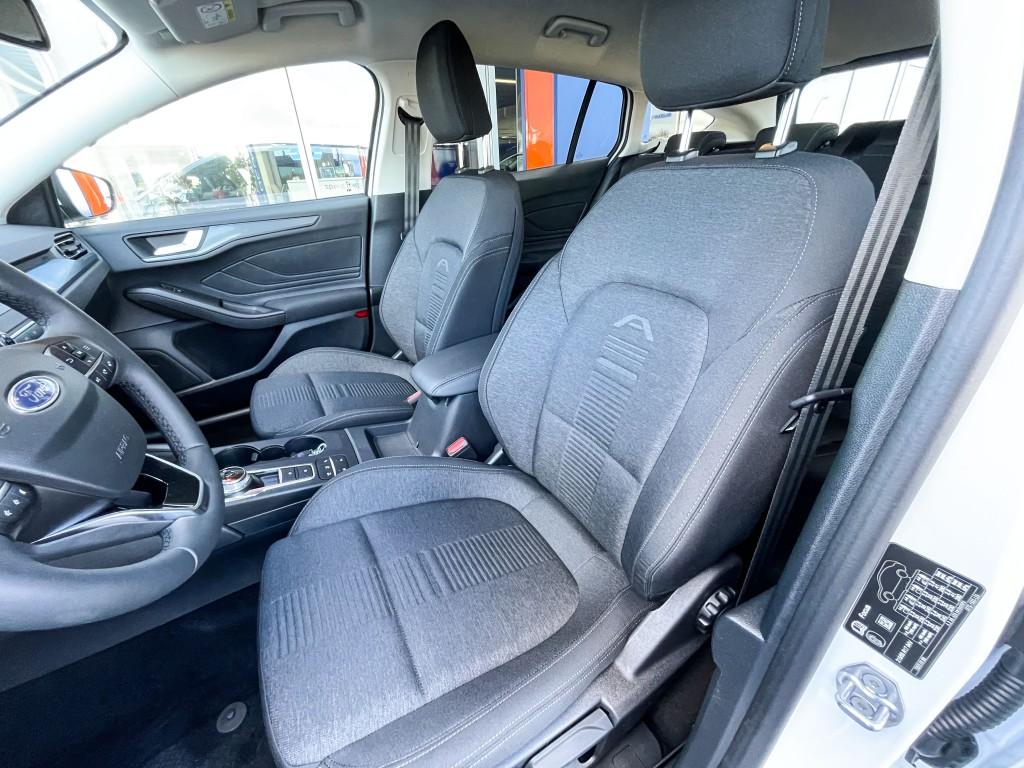 Ford Focus 1,5 TDCI 120HK A8 Activ St. Car