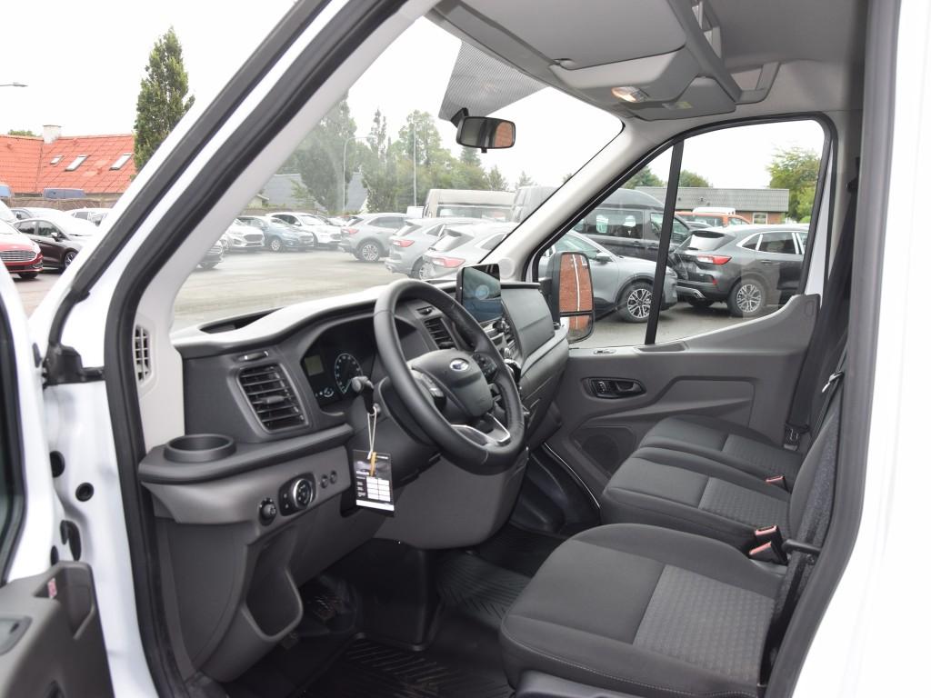 Ford Transit Flyttebil