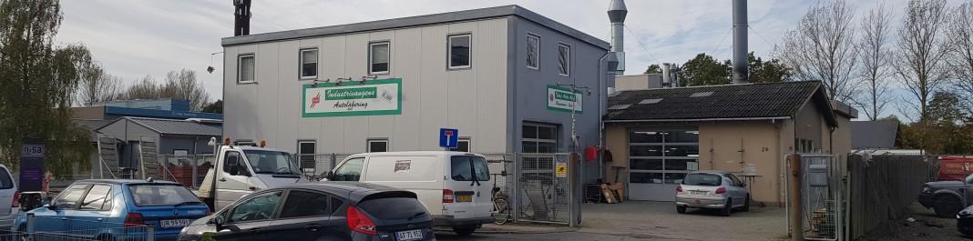 The facade of Oscar Car Rental Ishøj